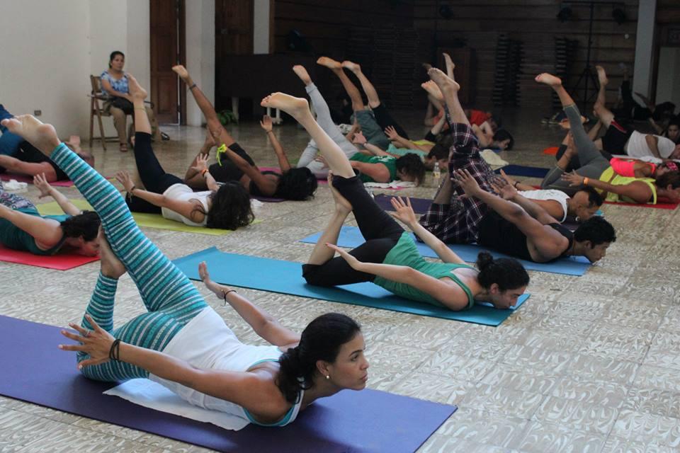 Que No Te Amedrente Ver Posturas Avanzadas Hacer Yoga Es Jugar Con Tu Cuerpo Y
