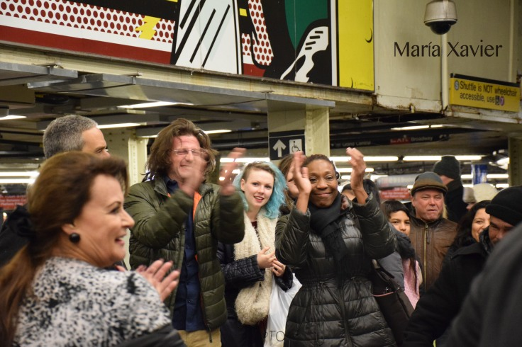Al de chaqueta verde le llamamos Sean Penn. Resulta increíble pero al siguiente día le vimos en una calle por la Universidad de New York caminando con su novia, abrazándola.