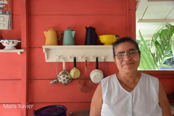 Conocí a Lucía, la señora a cargo de poner sabor a la comida, ella lleva trabajando ahí treinta años y me regaló su amable sonrisa.